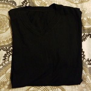 Men's large black v neck tshirt